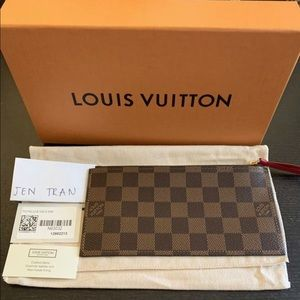 Authentic Louis Vuitton Felicie Pouch